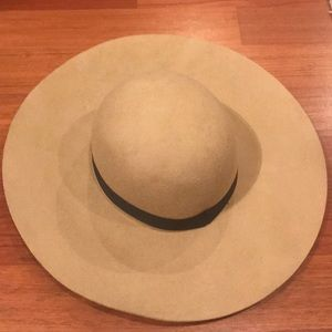 Topshop Accessories - Taupe floppy hat with black trim 4bd4dbbe2698